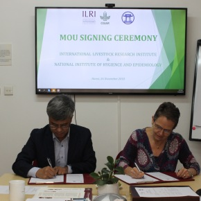 NIHE–ILRI agreement to deepen cooperation in research for development in Vietnam